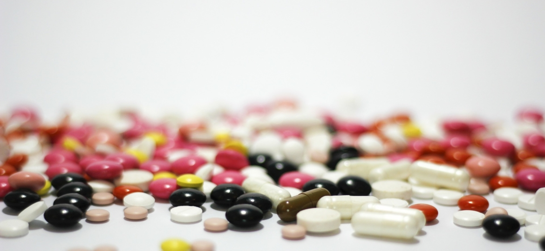 medications-342456_1920