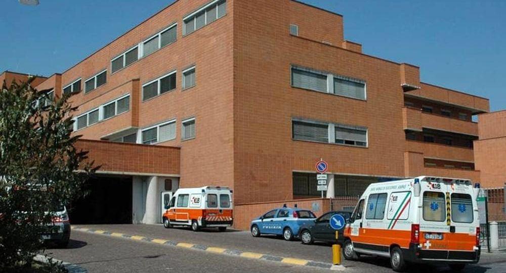 ambulanza-pronto-soccorso-ospedale-di-piacenza-02-2