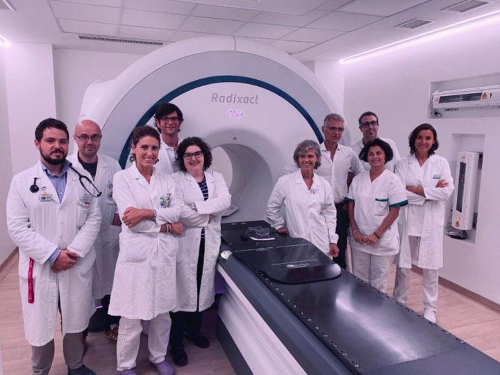 Primo Sistema di Tomoterapia Elicoidale Radixact X9 in..